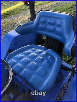 Ford New Holland TC30 4WD Compact Utility Tractor WithFEL Loader & Weights