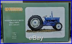 Fordson Super Dexta Diesel 2000 Tractor (US) 116 Die-Cast Universal Hobbies